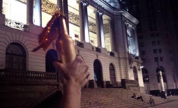 Molotov de Ouro, o prêmio mais aguardado da noite. (foto: Coletivo Carranca)